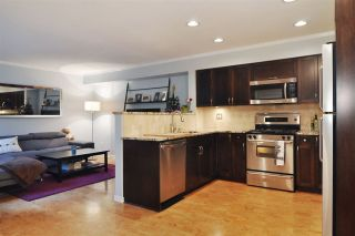 Photo 3: 116 2998 ROBSON Drive in Coquitlam: Westwood Plateau Townhouse for sale : MLS®# R2243655