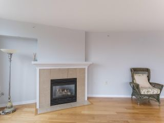 "Photo 7: 900 1570 W 7TH Avenue in Vancouver: Fairview VW Condo for sale in ""Terraces on 7th"" (Vancouver West)  : MLS®# R2532218"