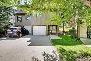 Main Photo: 50 23 Glamis Drive SW in Calgary: Glamorgan Row/Townhouse for sale : MLS®# A1113547