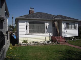 Photo 2: 3063 2ND Ave in Vancouver East: Renfrew VE Home for sale ()  : MLS®# V764734