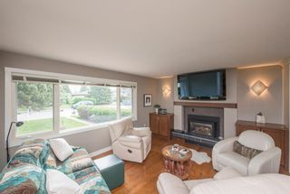 Photo 14: 127 Wedgewood Drive SW in Calgary: Wildwood Detached for sale : MLS®# A1056789