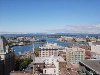 Photo 2: 1806 707 Courtney St in VICTORIA: Vi Downtown Condo for sale (Victoria)  : MLS®# 543641