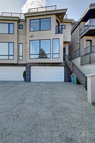 Photo 2: 2003 28 Avenue SW in Calgary: South Calgary Semi Detached for sale : MLS®# A1119479