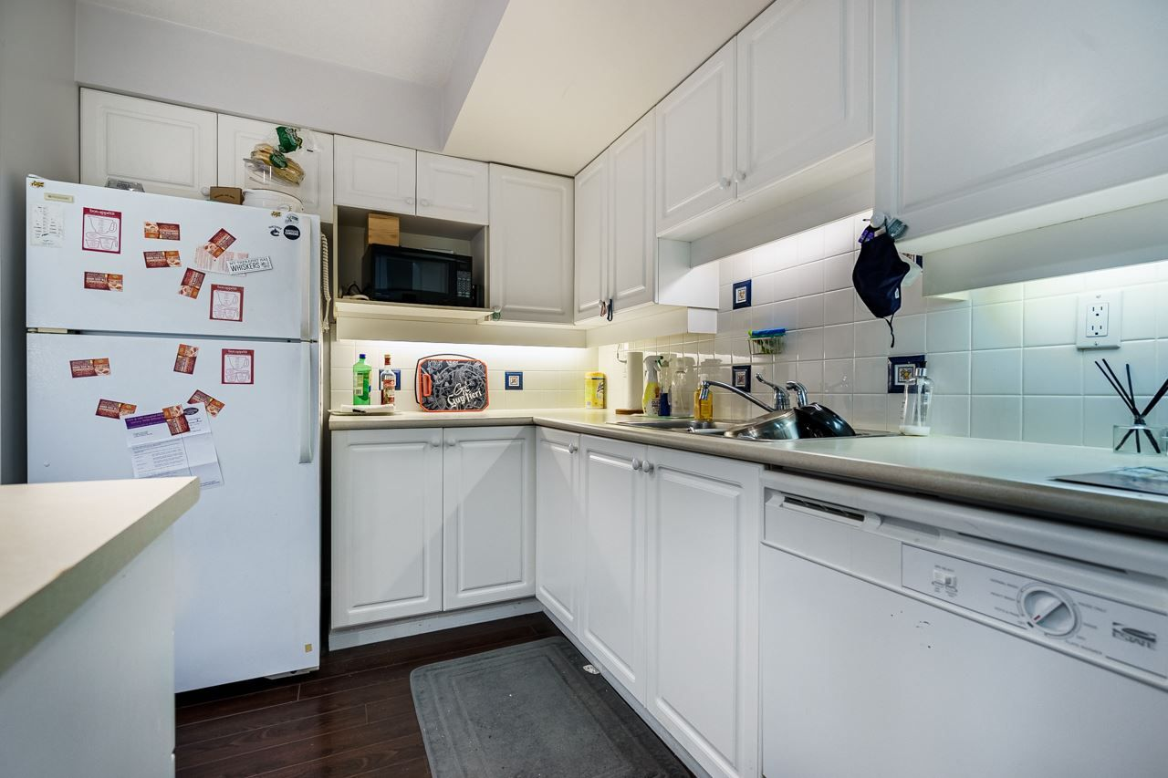 """Photo 8: Photos: 7 1561 BOOTH Avenue in Coquitlam: Maillardville Townhouse for sale in """"LE COURCELLES"""" : MLS®# R2537989"""