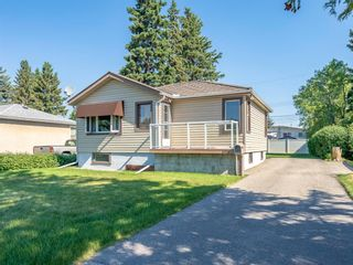 Photo 1: 6408 33 Avenue NW in Calgary: Bowness Detached for sale : MLS®# A1125876