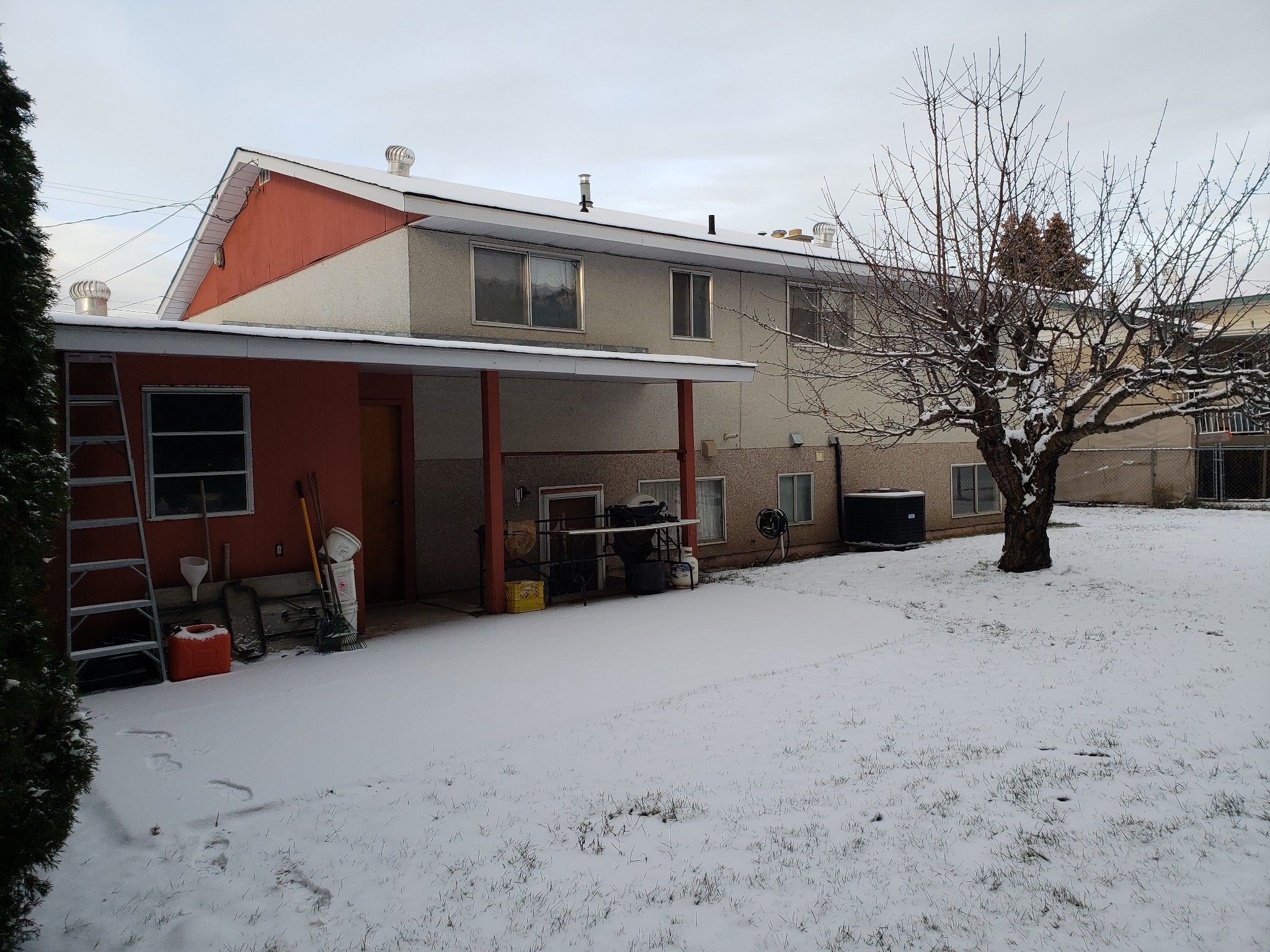Photo 10: Photos: 821 Puhallo Drive in Kamloops: Westsyde House for sale