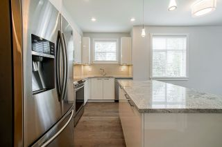 Photo 4: 102 19940 BRYDON Crescent in Langley: Langley City Condo for sale : MLS®# R2575972