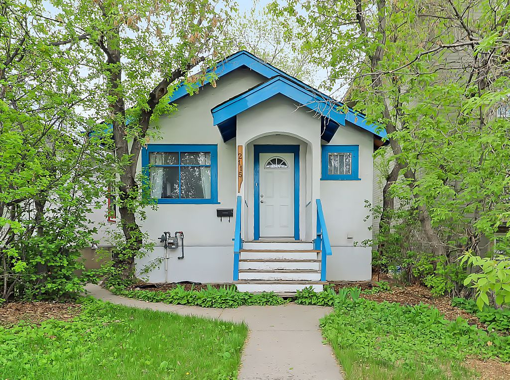 Main Photo: 2115 14 Street SW in Calgary: Bankview Detached for sale : MLS®# A1113173