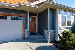 Photo 2: 1669 Glen Eagle Dr in : CR Campbell River Central House for sale (Campbell River)  : MLS®# 872785