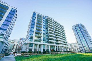 """Photo 3: 701 1688 PULLMAN PORTER Street in Vancouver: Mount Pleasant VE Condo for sale in """"NAVIO AT THE CREEK (SOUTH)"""" (Vancouver East)  : MLS®# R2532164"""