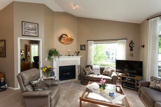 "Photo 4: 118 9012 WALNUT GROVE Drive in Langley: Walnut Grove Townhouse for sale in ""Queen Anne Green"" : MLS®# R2065366"