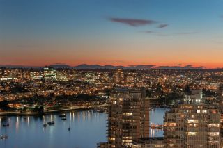 Photo 17: 3606 1033 MARINASIDE CRESCENT in Vancouver: Yaletown Condo for sale (Vancouver West)  : MLS®# R2346503