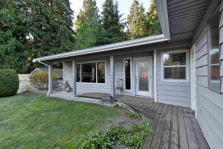 Photo 3: 5551 WAKEFIELD Road in Sechelt: Sechelt District House for sale (Sunshine Coast)  : MLS®# R2420714