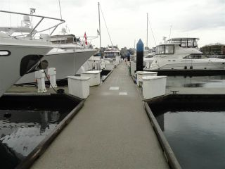 """Photo 4: F14 1088 MARINASIDE Crescent in Vancouver: Yaletown Condo for sale in """"QUAYSIDE MARINA"""" (Vancouver West)  : MLS®# R2121416"""