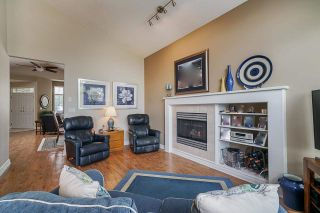 """Photo 13: 25 5221 OAKMOUNT Crescent in Burnaby: Oaklands Townhouse for sale in """"SEASONS BY THE LAKE"""" (Burnaby South)  : MLS®# R2573570"""