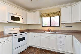 """Photo 7: 6337 SUNDANCE Drive in Surrey: Cloverdale BC House for sale in """"Cloverdale"""" (Cloverdale)  : MLS®# R2056445"""