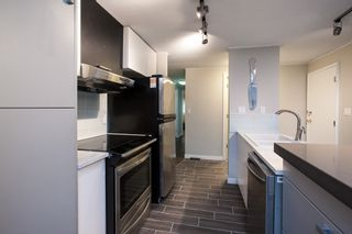 """Photo 5: 1 1840 160 Street in Surrey: King George Corridor Manufactured Home for sale in """"BREAKAWAY BAYS"""" (South Surrey White Rock)  : MLS®# R2041363"""
