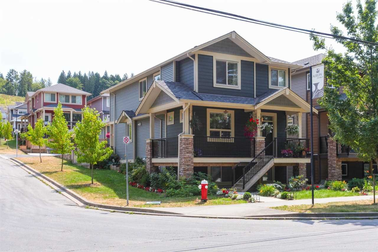 """Main Photo: 10546 JACKSON Road in Maple Ridge: Albion House for sale in """"ALBION TERRACES"""" : MLS®# R2225601"""