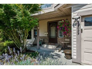 Photo 2: 35023 CASSIAR Avenue in Abbotsford: Abbotsford East House for sale : MLS®# R2191358
