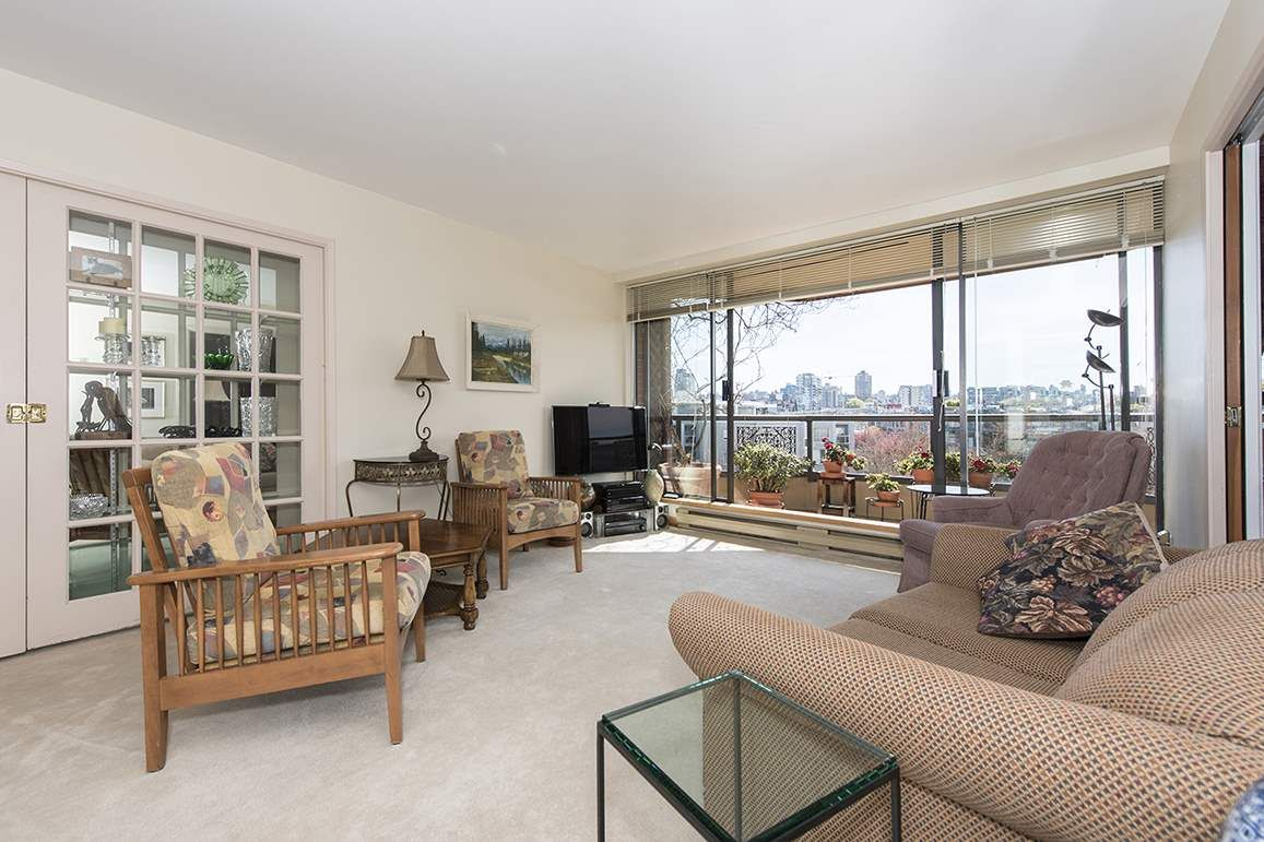 """Main Photo: 509 1490 PENNYFARTHING Drive in Vancouver: False Creek Condo for sale in """"Harbour Cove 3"""" (Vancouver West)  : MLS®# R2051380"""