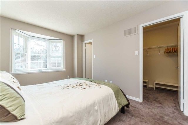 Photo 9: Photos: 48 1610 E Crawforth Street in Whitby: Blue Grass Meadows Condo for sale : MLS®# E4125009