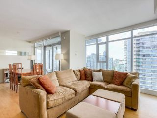 """Photo 6: 2301 1205 W HASTINGS Street in Vancouver: Coal Harbour Condo for sale in """"CIELO"""" (Vancouver West)  : MLS®# R2191331"""