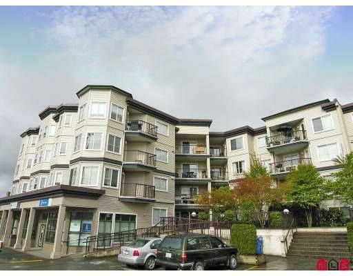 "Main Photo: 105 5759 GLOVER Road in Langley: Langley City Condo for sale in ""College Court"" : MLS®# F2726763"