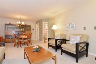 """Photo 7: 211 1952 152A Street in Surrey: King George Corridor Condo for sale in """"Chateau Grace"""" (South Surrey White Rock)  : MLS®# R2016063"""