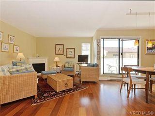 Photo 2: 216 1366 Hillside Ave in VICTORIA: Vi Oaklands Condo for sale (Victoria)  : MLS®# 740930