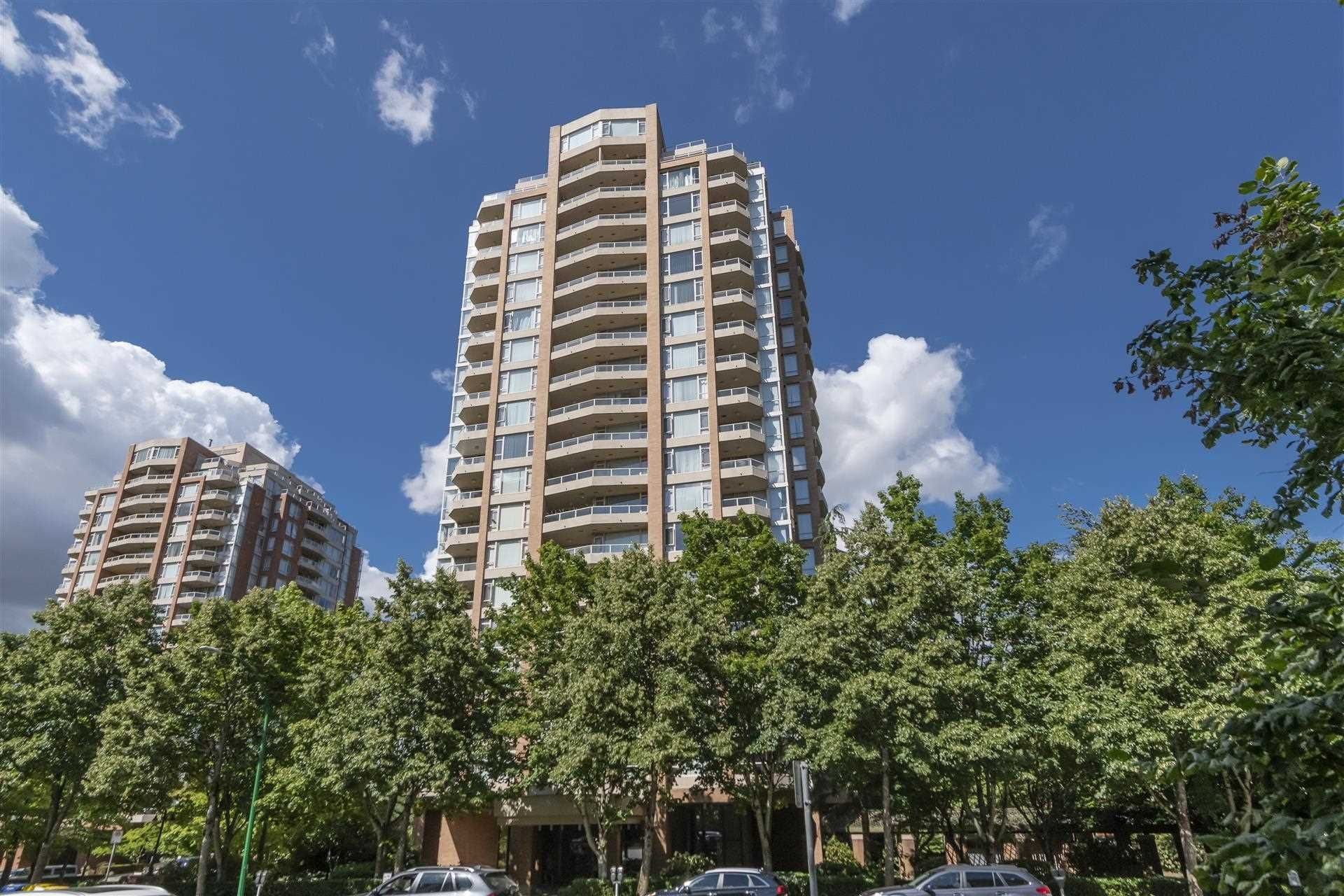 Main Photo: 204 4689 HAZEL Street in Burnaby: Forest Glen BS Condo for sale (Burnaby South)  : MLS®# R2604209