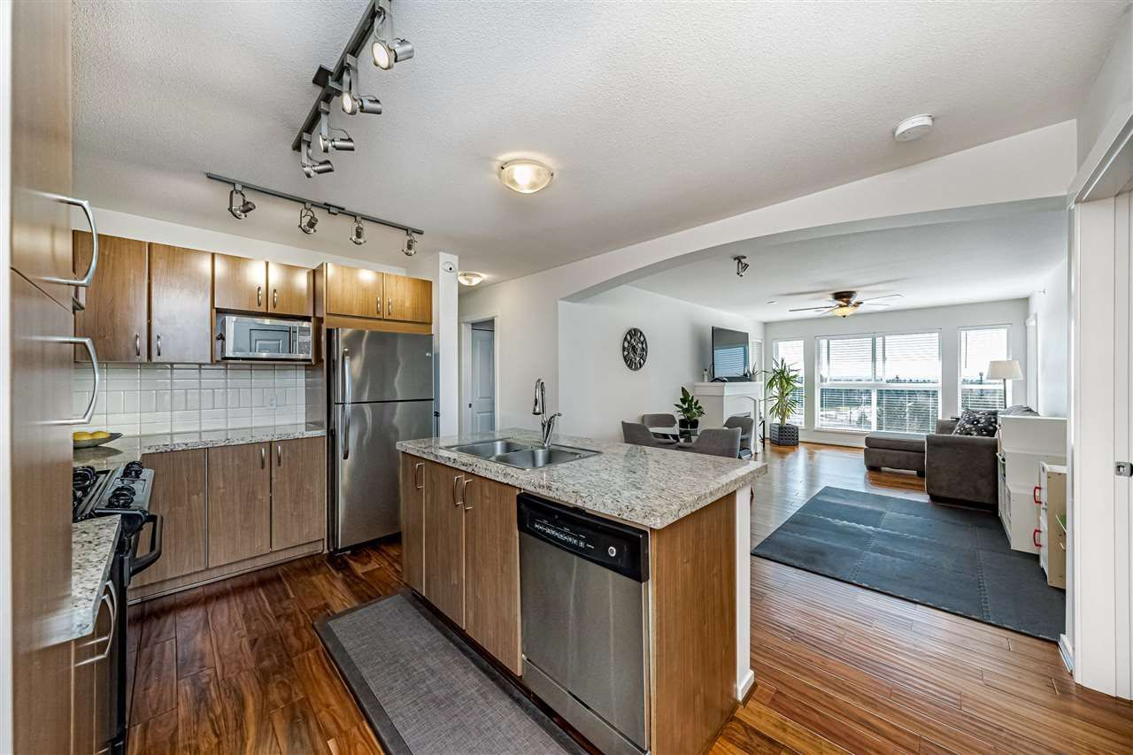 """Main Photo: 403 3082 DAYANEE SPRINGS Boulevard in Coquitlam: Westwood Plateau Condo for sale in """"THE LANTERNS"""" : MLS®# R2575062"""