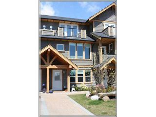 "Photo 1: # 14 728 GIBSONS WY in Gibsons: Gibsons & Area Condo for sale in ""Island View Lanes"" (Sunshine Coast)  : MLS®# V828338"