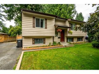 Photo 1: 34833 LABURNUM Avenue in Abbotsford: Abbotsford East House for sale : MLS®# R2614976