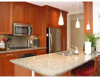 "Photo 4: 109 4685 VALLEY Drive in Vancouver: Quilchena Condo for sale in ""MARGUERITE HOUSE I"" (Vancouver West)  : MLS®# V755455"