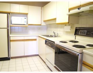 """Photo 7: 1204 5790 PATTERSON Avenue in Burnaby: Metrotown Condo for sale in """"""""THE REGENT"""""""" (Burnaby South)  : MLS®# V786618"""
