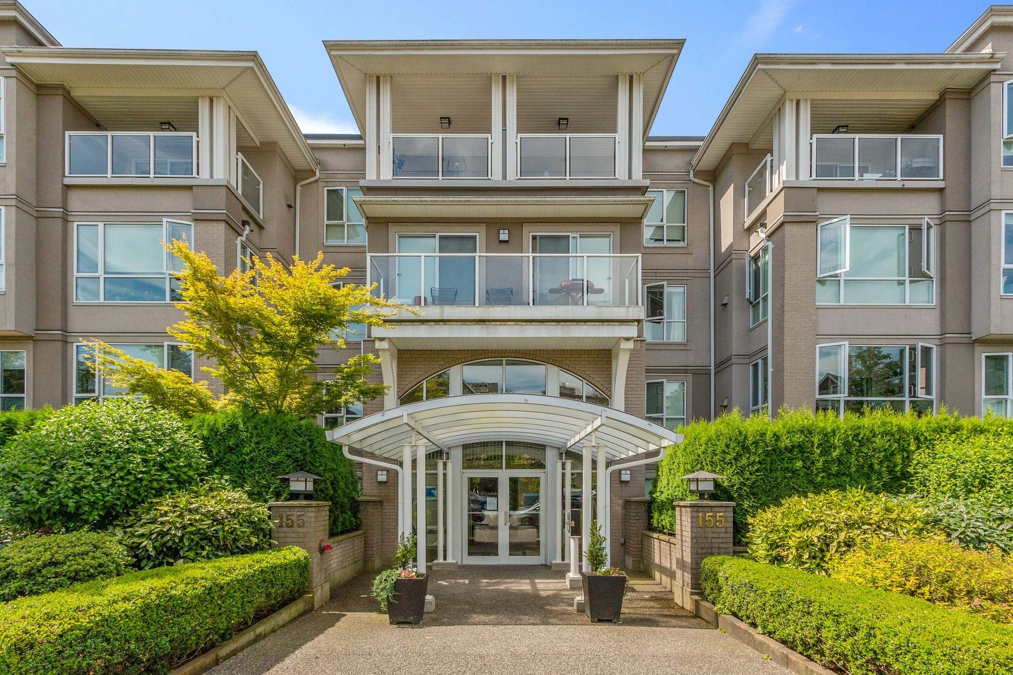 """Main Photo: 111 155 E 3RD Street in North Vancouver: Lower Lonsdale Condo for sale in """"The Solano"""" : MLS®# R2596200"""