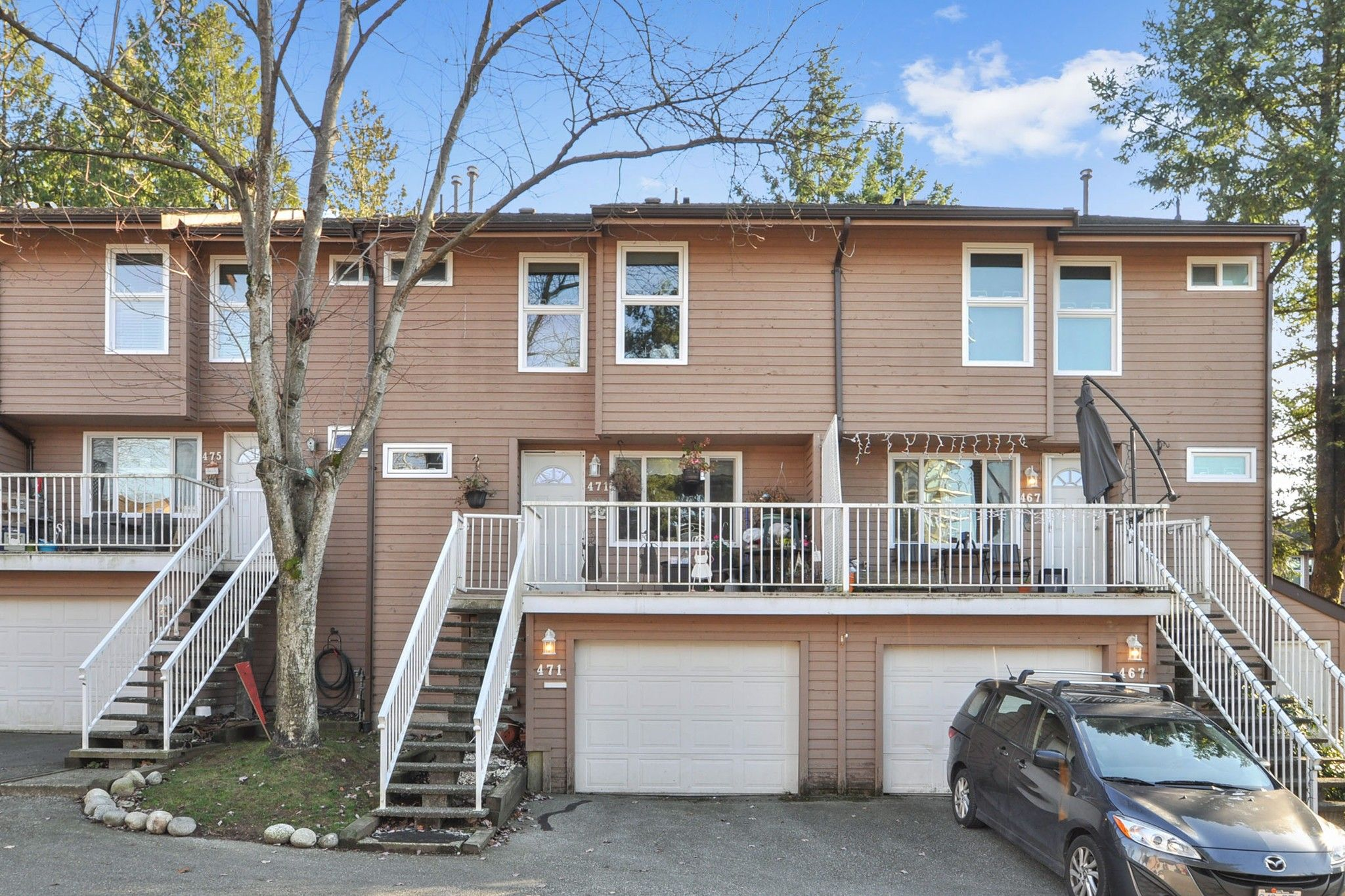 """Main Photo: 471 LEHMAN Place in Port Moody: North Shore Pt Moody Townhouse for sale in """"EAGLE POINT"""" : MLS®# R2422434"""
