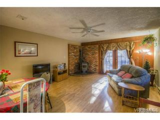 Photo 4: 803 Cecil Blogg Dr in VICTORIA: Co Triangle House for sale (Colwood)  : MLS®# 711979