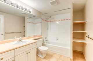 """Photo 33: 3318 ROBSON Drive in Coquitlam: Hockaday House for sale in """"HOCKADAY"""" : MLS®# R2473604"""