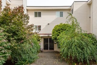 Photo 2: 205 615 Alder St in Campbell River: CR Campbell River Central Condo for sale : MLS®# 887616