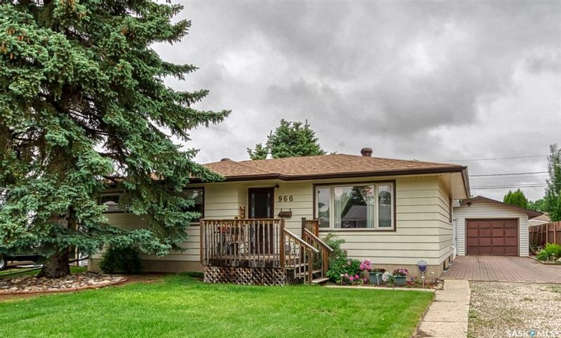 FEATURED LISTING: 966 James Street Moose Jaw