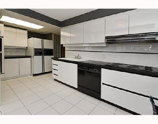 """Photo 5: PH1 1500 HOWE Street in Vancouver: False Creek North Condo for sale in """"DISCOVERY"""" (Vancouver West)  : MLS®# V677666"""