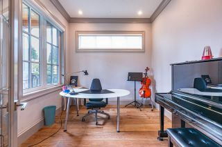 Photo 4: 2555 W 33RD Avenue in Vancouver: MacKenzie Heights House for sale (Vancouver West)  : MLS®# R2489633