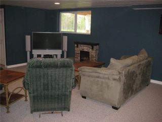 Photo 1: 8715 COLUMBIA RD in Prince George: Pineview House for sale (PG Rural South (Zone 78))  : MLS®# N200878