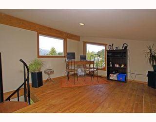 Photo 8: 1013 TOBERMORY Way in Squamish: Garibaldi Highlands House for sale : MLS®# V757176