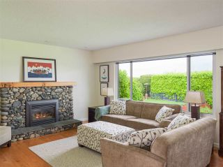 Photo 16: 4229 GLENHAVEN Crescent in North Vancouver: Dollarton House for sale : MLS®# R2465673