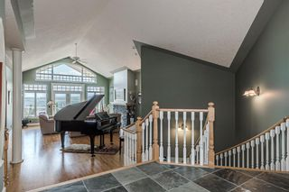 Photo 2: 40 Slopes Grove SW in Calgary: Springbank Hill Detached for sale : MLS®# A1069475