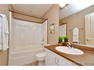Photo 8: 3211 Ernhill Pl in VICTORIA: La Walfred Row/Townhouse for sale (Langford)  : MLS®# 590123