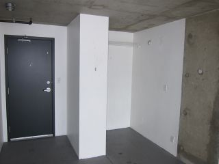 """Photo 2: 428 289 ALEXANDER Street in Vancouver: Hastings Condo for sale in """"THE EDGE"""" (Vancouver East)  : MLS®# R2079369"""