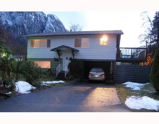 Main Photo: 2021 MAPLE Drive in Squamish: Valleycliffe House for sale : MLS®# V682397